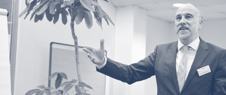 Dr. Hans-Christian Riekhof